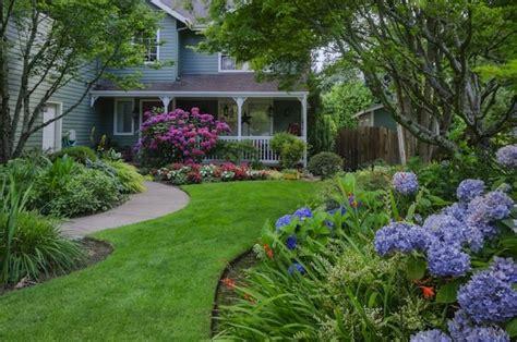 Front Yard Landscaping Ideas-bob Vila