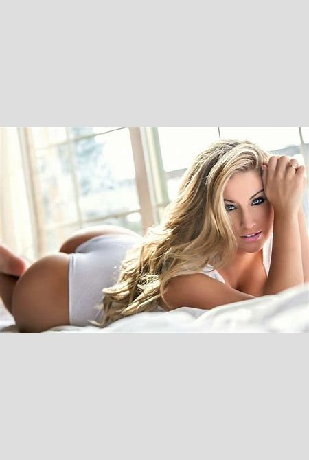 Ashley Alexiss on Curves, Dating and What Every Man Should ...