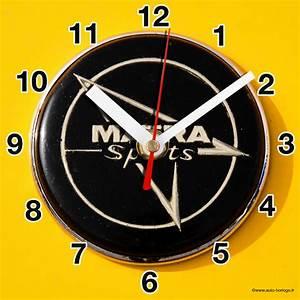Logo Matra Sport En Horloge Murale Sur Carosserie Jaune