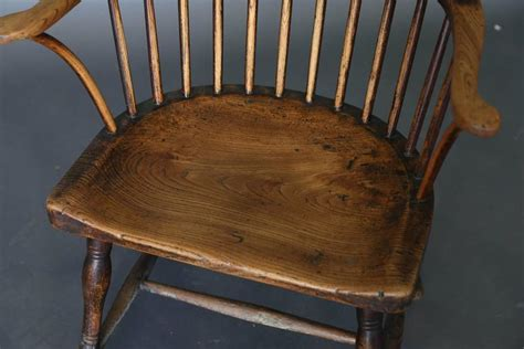 Antique 18th Century Ash And Elm Windsor Chair At 1stdibs