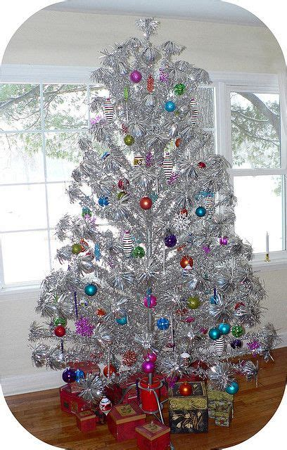 aluminum christmas trees for ssle mi aluminum tree 2009 everything vintage aluminum