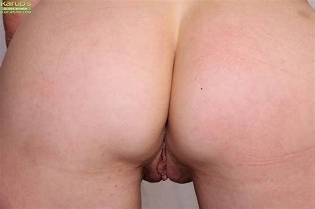 #Mature #Woman #Rebecca #Hill #Freeing #Bare #Ass #From #Leather