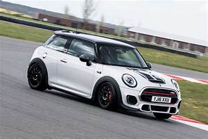 Mini Cooper S Jcw : 2016 mini john cooper works challenge review first drive motoring research ~ Medecine-chirurgie-esthetiques.com Avis de Voitures
