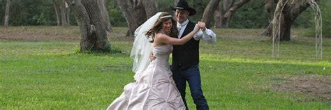 texas weddings    acre working ranch  houston