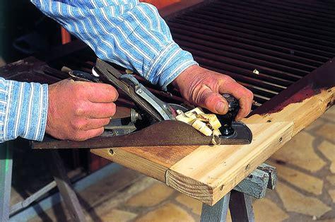 r 233 parer un volet en bois diy faites le vous m 234 me avec mr bricolage