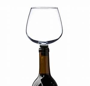 Weinglas Auf Flasche : origineller weinglas flaschenaufsatz f r weintrinker ~ Watch28wear.com Haus und Dekorationen