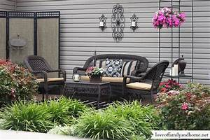 Patio Makeover {My Mom's House} - Love of Family & Home