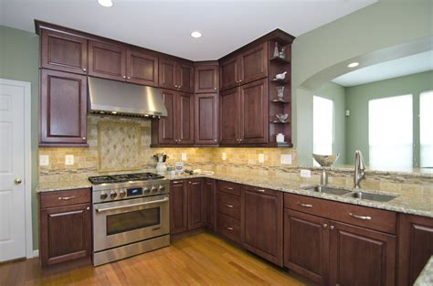 cherry finish kitchen cabinets this fabulous kitchen in laytonsville md features 5371