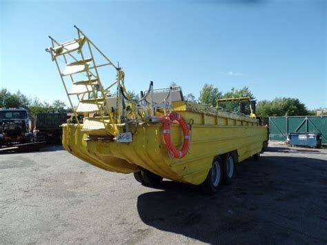 hibious vehicle duck 1943 wwii amphibious dukw by gmc amphibious vehicle duck