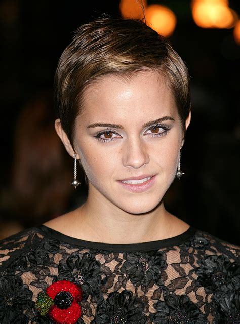 emma watson side parted pixie hairstyle  haircut