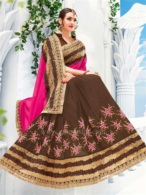 There are 1600 contrast blouse for sale on etsy, and they cost 677.18 nok on average. Georgette Coffee Color Saree With Fancy Border #saree #sareeswag #tradiotional #printedsaree ...