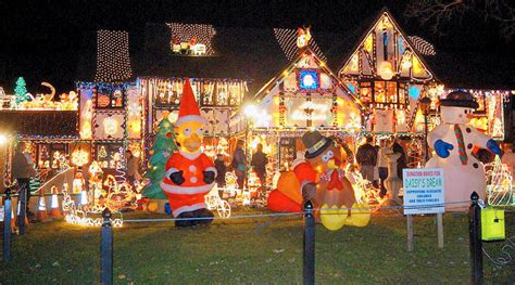 christmas lights houses near ho ho dunnit who would object to the house with 22 000
