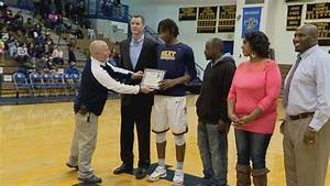 Damezi Anderson honored as Riley's all-time leading scorer ...