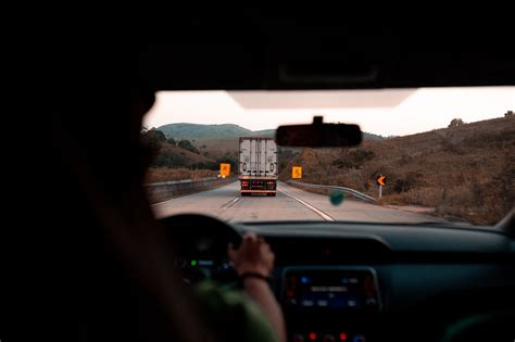 truck nakliyat driving self carro bateria quanto custa uma rusia yenikent pexels coche haul rijbewijs theorieboek manoeuvre signal mirror drivers