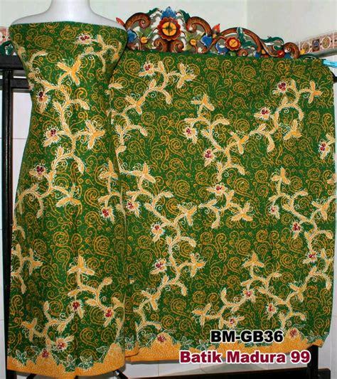Batik merupakan kekayaan budaya yang dimiliki oleh bangsa indonesia. Best Download Gambar Batik Madura   Goodgambar