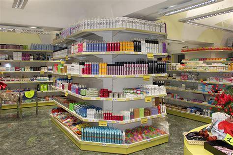 scaffale per negozio arredamento per negozio di parrucchiere arredo negozio
