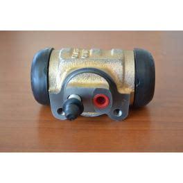 pieces 404 peugeot cylindre de roue avant peugeot 404 antares design