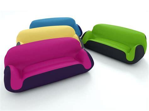 canape gonflable un canapé gonflable coloré pour votre salon maisonapart