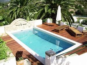Pool Mit Holzterrasse : poolumrandung aus holz oder wpc tipps und ideen ~ Whattoseeinmadrid.com Haus und Dekorationen
