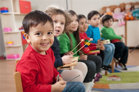 Here are 8 music classes for toddlers. 5 Benefits to Young Children Taking Music FunTime Classes | Omaha School of Dance and Music