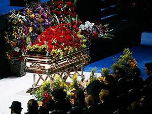 Report: Michael Jackson Rests in Berry Gordy's Crypt ...