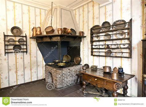 cuisine historique la cuisine historique avec le four de fer dans le musée de