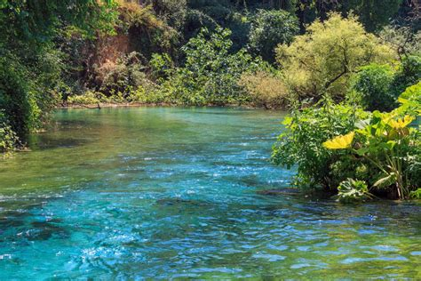 BILDER: Bergsee Syri i Kaltër (Blaues Auge), Albanien ...