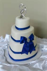 wedding cake cutter quot my cake sweet dreams quot wedding cake
