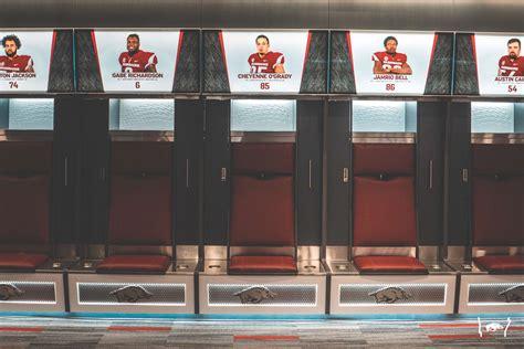 football locker room unveiling arkansas razorbacks