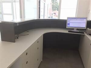 Realisation d39un comptoir pour un cabinet dentaire mt design for Menuiserie sur mesure
