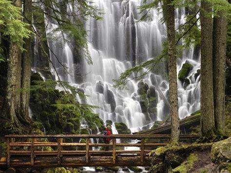 Breathtakingly Beautiful Waterfalls The