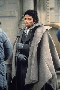 Michael Jackson Films The Video For Bad In 1986 Brooklyn ...  Jackson