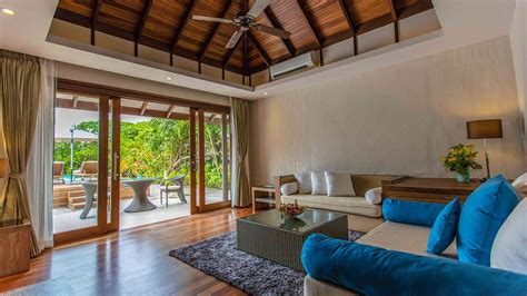 maldives deluxe sunset beach villa  pool luxury