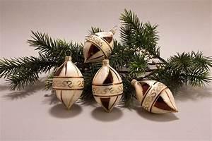 Weihnachtskugeln Aus Lauscha : 4 zitronen eischampagner mit braun christbaumkugeln ~ Orissabook.com Haus und Dekorationen
