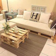 Sofa Aus Paletten Matratze : bauen sie ein schlafsofa futon mit holzpaletten diy europaletten sofa diy palettenm bel ~ A.2002-acura-tl-radio.info Haus und Dekorationen