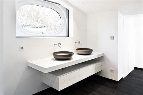 am 233 nagement st tropez cuisine et salle de bains solid surface v korr