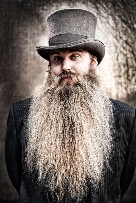 worlds biggest   beards descend  las vegas
