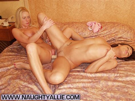 Milf Women Two Hot Sluts Share A Double En XXX Dessert