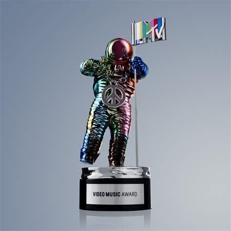 Enchantment Carpet by Here S The Redesigned Mtv Vmas Moonman By Jeremy Scott