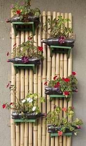 Gros Bambou Deco : un mur v g tal en bambou fait avec des bouteille de r cup ~ Teatrodelosmanantiales.com Idées de Décoration