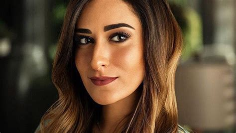 Let Amina Khalil Show You 8 Outfit Ideas for Day and Night