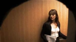 Prank gifs hilarious pranks captured in gifs for Elevator floor prank