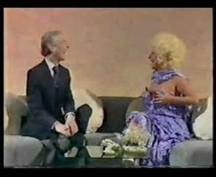 Kenneth Williams Interviews Barbara Windsor - YouTube