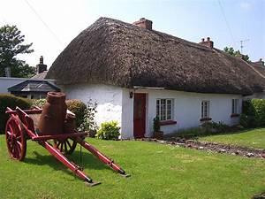 photo adare maison au toit de chaume avec tombereau With maison toit de chaume