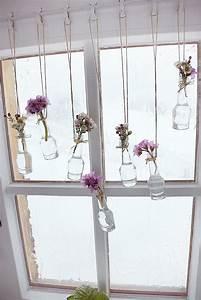 Deko Zum Hängen Ins Fenster : bastel sie mit uns fr hlingshafte fensterdeko pflanzen pinterest fensterdeko basteln und ~ Bigdaddyawards.com Haus und Dekorationen
