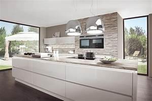 Küche Deko Modern : kochinsel k che hochglanz wei norina 9555 bungalow avec k che modern schwarz wei et 0 k che ~ Sanjose-hotels-ca.com Haus und Dekorationen
