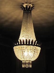 Lustre à Pampilles : file lustre montgolfi wikimedia commons ~ Teatrodelosmanantiales.com Idées de Décoration