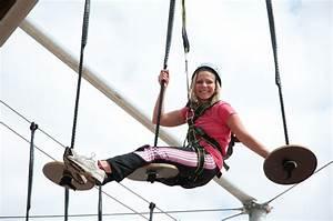 Kindergeburtstag Berlin Feiern : kinder klettern am mountmitte dem kletterpark in berlin mitte ytti ~ Markanthonyermac.com Haus und Dekorationen