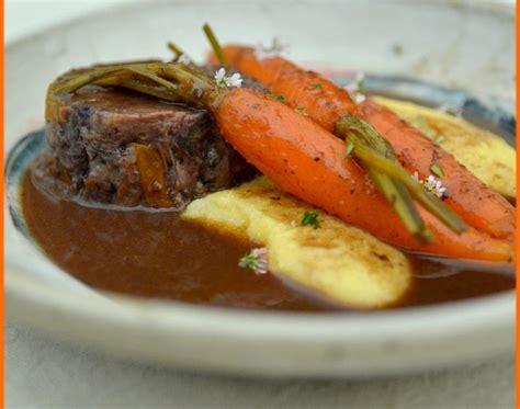 cuisiner des joues de boeuf recettes de joue de boeuf aux carottes les recettes les