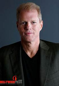 Noah Emmerich Biography| Profile| Pictures| News